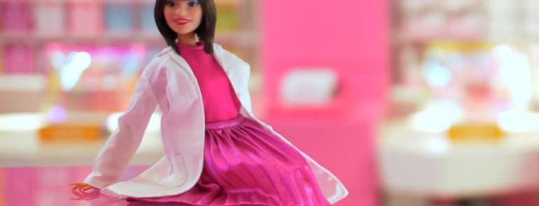L'Estetista Cinica ispira la nuova Barbie
