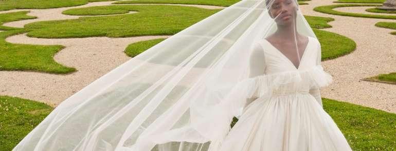 La prima collezione sposa di Giambattista Valli
