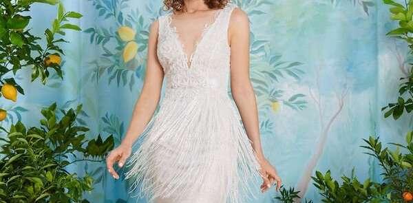 La tendenza degli abiti da sposa corti