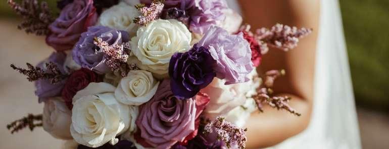Come scegliere un bouquet sposa perfetto
